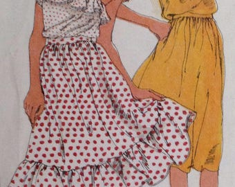Uncut Simplicity 9576 Ruffled Skirt or sleeveless tube top - Size 12