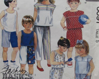 McCalls 3691/Uncut Vintage Sewing Pattern/Children's/Girls/Boys/Summer Clothing/Shorts/Tops/Size 5/1988