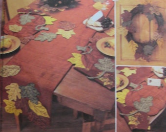 McCalls 3780/Uncut Sewing Pattern/Harvest Decorations/Table runner/Placemats/Candleholder
