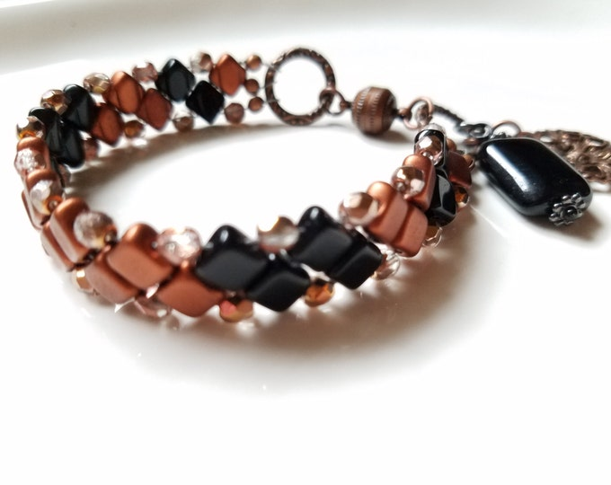 Black bead bracelet, beadwork bracelet, handwoven bracelet, gift for her, black gold bracelet, handmade bracelet, Czech bead bracelet