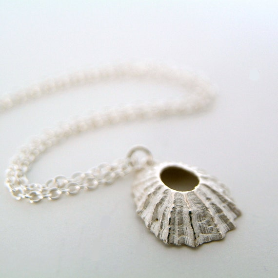 Silver Shell Pendant Necklace, Nautical Jewellery, Beach Necklace, Surfer necklace, Seashell Pendant, Limpet Shell, Surf Girl, Summer Style