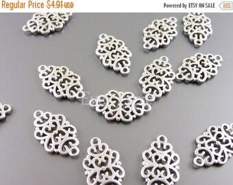 15% SALE 4 Matte silver 18mm oriental filigree pendants, jewelry pendants, necklace pendants, charms 1188-MR-18 (matte silver, 18mm, 4 piece