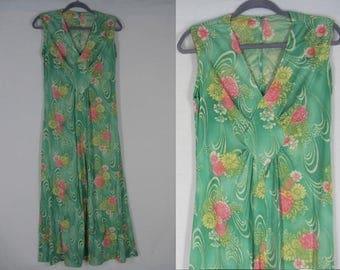 70s Green Knit Maxi Dress M-L Wards Floral Print Diamond Midriff Inset Sleeveless
