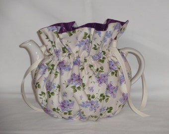 Pretty Lilacs Reversible  6 Cup Teapot Cozy