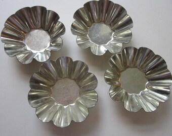 4 vintage tartlet molds - fluted tartlette molds