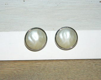 Crown Trifari White Domed Clip on Earrings