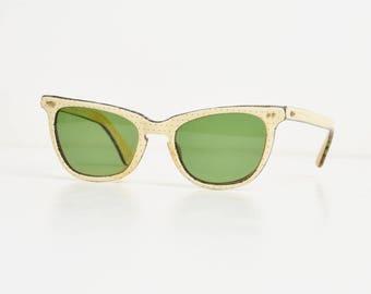 Vintage 50s Wayfarer Style Sunglasses Calobar / 1950s Off White and Red Polka Dot Sunglasses Frames