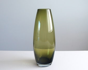 Scandinavian Green Glass Cone Vase Attributed to Riihimaki Riihimaen