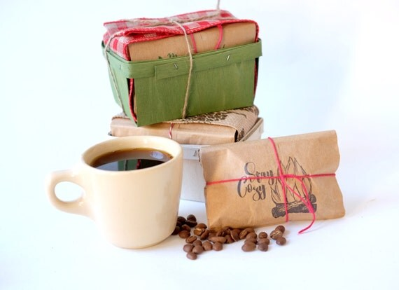 Christmas gift set. Rustic coffee gift sets in vintage berry