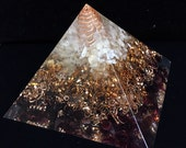Free shipping worldwide, Orgone Pyramid, Orgonite, red garnet, citrine, rock crystal, grounded the light on Earth