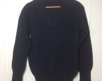 1940's WWII Military thick chunky wool Sweater looks size Small- Medium low gauge knit V-neck pullover very dark Navy Blue almost black