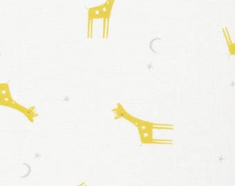 Organic Cotton Swaddle Fabric - Cloud9 Tout Petit Swaddle - Little Giraffes White