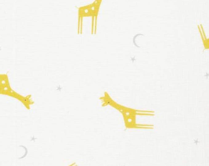 Organic Cotton Swaddle Fabric - Cloud9 Tout Petit Swaddle - Little Giraffes White