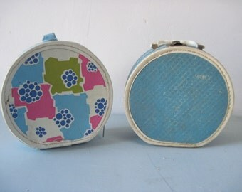Pair of Vintage 1960s 1970s round Doll suitcases