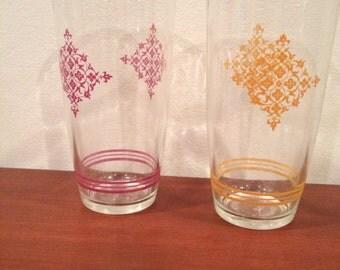 2 Vintge Sour Cream Pint Glasses