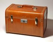 Vintage Royal TravelerTrain Case in Caramel Brown - Circa 1940's