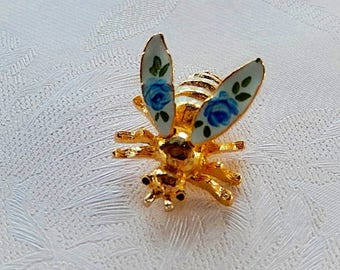 Bee Brooch, Vintage Brooch, Movable Wings, Gift for Her