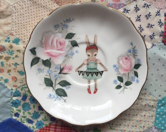 Bow Haired Bunny with Lovely Bunting Illustrated Vintage Plate