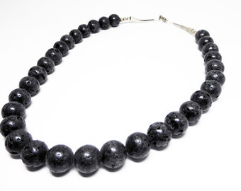 Black Coral Choker Necklace - Black Coral Beads - Beaded Necklace - Sterling Silver Clasp - Vintage 1970's 1980's Retro Modern Jewelry