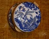 Vintage AYSHFORD  Hinged Trinket Box, Staffordshire, England - Oriental Design Blue White