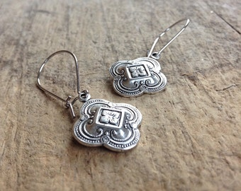 Small Silver Quatrefoil Earrings, Gift For Her, Antique Silver Earrings, Bohemian Earrings, Bohemian Jewelry, 17mm Charm, Mother's Day