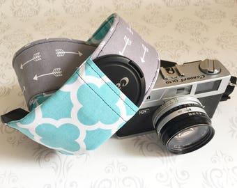 DSLR Camera Strap, Padded, Lens Cap Pocket, Nikon, Canon, DSLR Photography, Photographer Gift, Boho Strap - Gray Arrow & Aqua Quatrefoil
