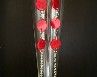 Hot red earrings, circular vinly sexy earrings, dangle earrings with a silver plated chains, summer looks, everyday earrings, evening jewelr