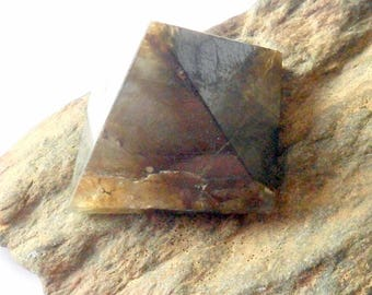 Labradorite Pyramid Mineral Specimen Carving earthegy #1710