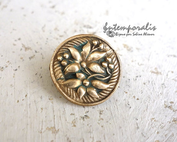 Gold bronze and verdigris resin brooch, OOAK, SABRO07