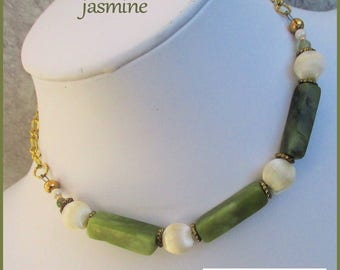 Green Jasper Necklace, Green Statement Necklace, Beaded Gemstone Necklace, Chunky Green Choker, Green and Gold Jewelry, Gift for Her
