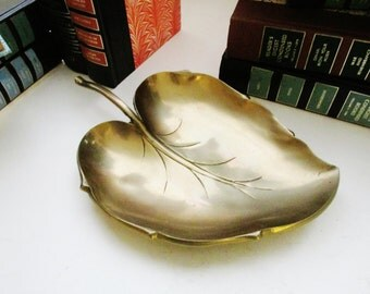 Vintage Large Brass Leaf Tray, Hollywood Regency, Coffee Table Decor, Brass Catchall