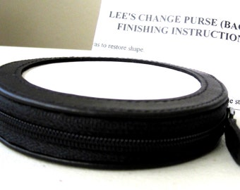 """Lee Needlecraft Black Leather CHANGE COIN PURSE for a 3"""" Round Needlepoint Canvas"""