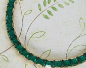 Vintage Weiss Bracelet ... Green Rhinestone