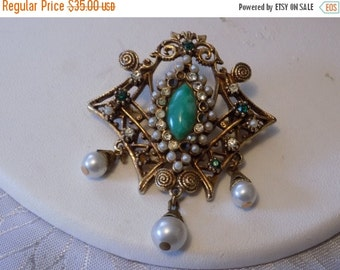 ON SALE Antique brooch, emerald crystal, pearl and jade brooch/pendant , Victorian style brooch, cannetille brooch, vintage jewelry