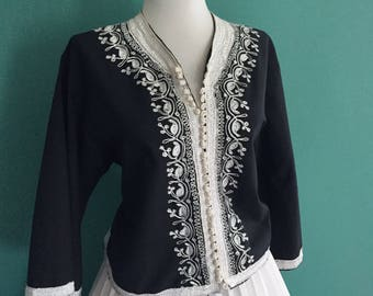 Vintage 1960s CROPPED Black & Off White Embroidered Cotton 3/4  Sleeve Button Down Blouse Top Shirt From India or Asia
