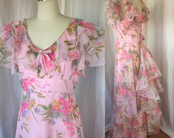 1970's MAXI dress /Size S / Flounced Floral Printed Pink Formal Gown with Bustle Back, Romantic Boho Hippie Flower Power Retro Bridesmaid