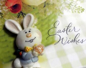vintage 1975 Hallmark Easter Bunny Brooch/pin
