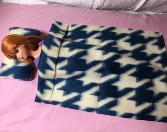 Blue & white print Fleece bedding set for male or female Fashion Dolls - bsb29