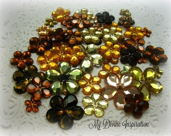 50 Flat Back Flower Rhinestones Acrylic Gems for Scrapbooking Cards Mini Albums and Papercrafts Jewelry DIY