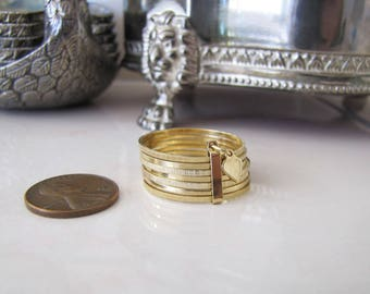 14K Gold Seven Day Heart Ring, size 12, 7 bands