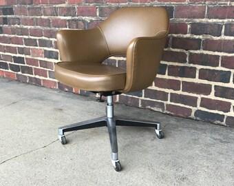 Midcentury modern Saarinen Swivel Office Chair