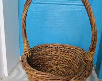 Vintage Round Twig Basket With Handle
