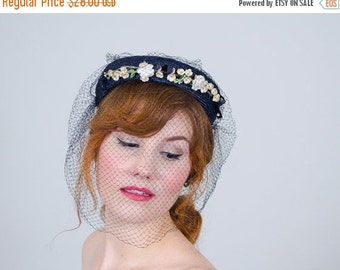25% OFF SALE / 1950s vintage hat / floral straw hat / At a Glimpse