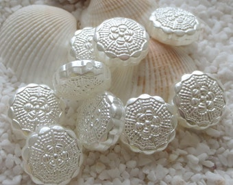Acrylic Pearlized Textured Coin Beads - 15mm - CHOICE OF 25 or 50 pcs - White
