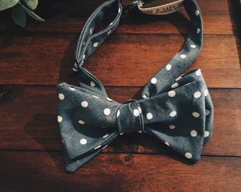 Bow Tie || Gray Polka Dot