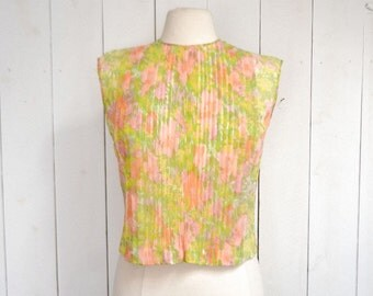 Sleeveless Floral Blouse 1960s Retro Mid Century Pink Green Pleated Chiffon Back Button Up Top Small Medium