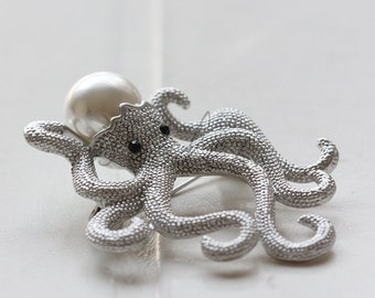 One Pieces / White Gold Tone / Brooch / Octopus