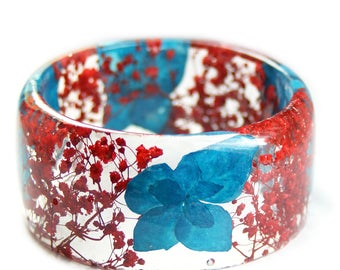 Turquoise and Red Bracelet - Real Flower Jewelry- Flower Jewelry- Jewelry with Real Flowers- Red Flowers- Turquoise Bracelet -Resin Jewelry