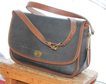 Vtg. Leather Coach Messenger Cross Body Bag