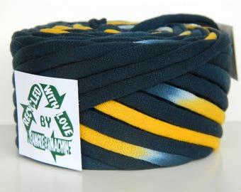 Recycled T Shirt Yarn, Navy Blue and Yellow Tie Dye 31 Yrds, T- Shirt Yarn, Tarn